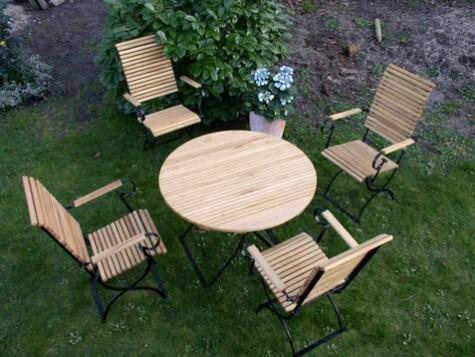 Gartenmobel Runder Tisch Metall Und Robinie Versandkostenfrei Bestellen